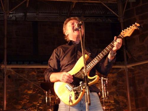 Dieter Kahlmeier Gesang,Gitarre_Vilbel 2012